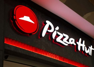Pizza Hut signage